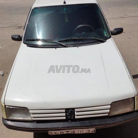 Voiture Peugeot 205 1994 au Maroc  Essence  - 7 chevaux