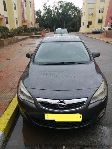 Voiture Opel Astra 2010 au Maroc  Diesel  - 7 chevaux