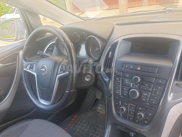 Voiture Opel Astra 2013 au Maroc  Diesel  - 7 chevaux