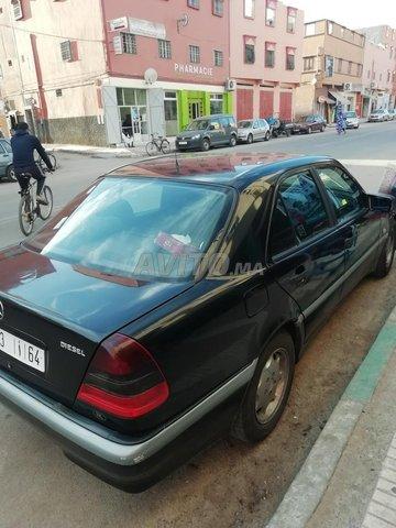 Voiture Mercedes benz 220 1998 au Maroc  Diesel  - 9 chevaux