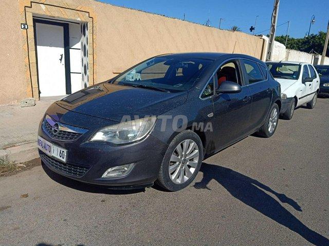 Voiture Opel Astra 2012 au Maroc  Diesel  - 7 chevaux