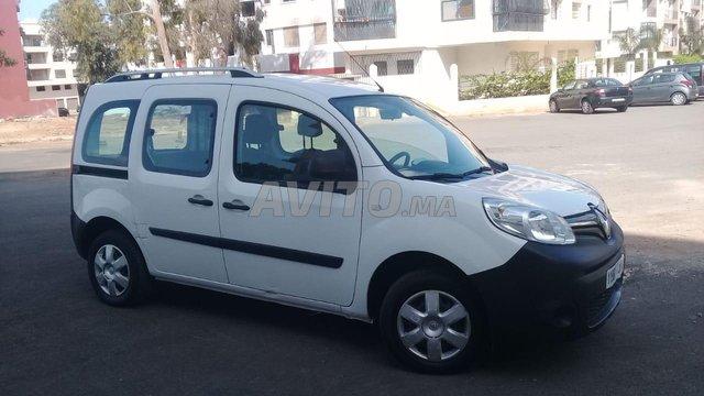 Voiture Renault Kangoo 2017 au Maroc  Diesel  - 6 chevaux