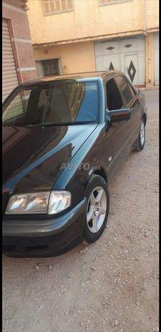 Voiture Mercedes benz 220 2000 au Maroc  Diesel  - 8 chevaux