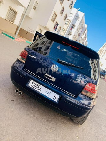 Voiture Volkswagen Golf 4 2000 au Maroc  Essence  - 8 chevaux