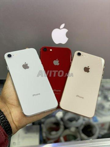 IPhone 8 a tt les colleurs 64 G livraison par tt  - 1