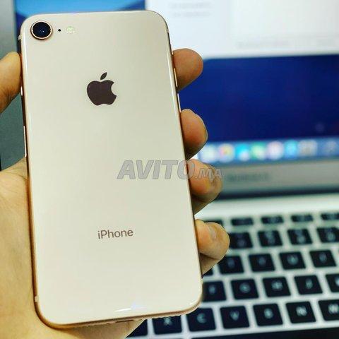 IPhone 8 a tt les colleurs 64 G livraison par tt  - 4