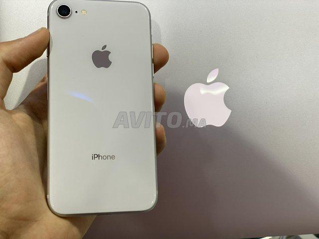 IPhone 8 a tt les colleurs 64 G livraison par tt  - 3