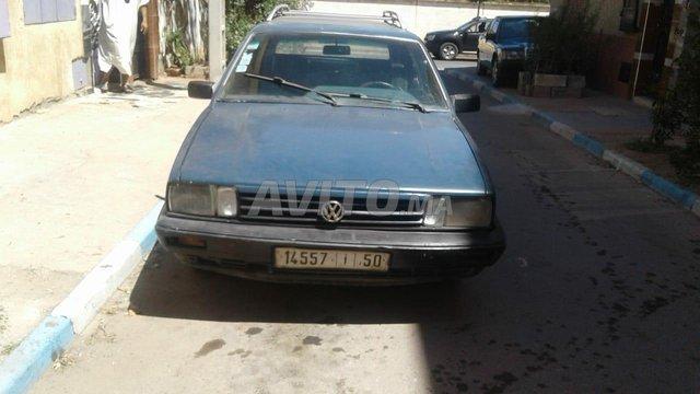 Volkswagen Passat - 1