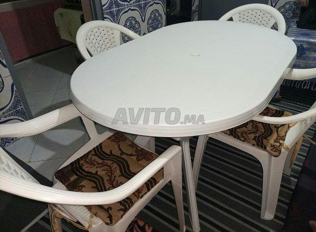 Tablede jardin à 4 chaises en plastique - 3