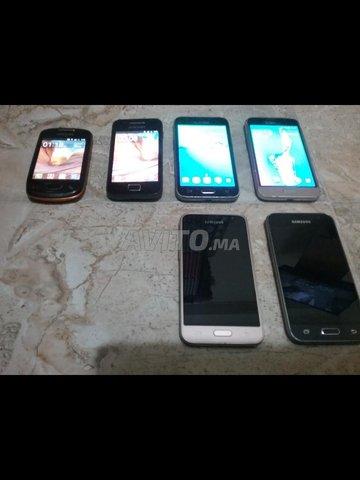 4SmartPhones J1l6  1Samsung Mini Et 1Samsung Ace  - 1