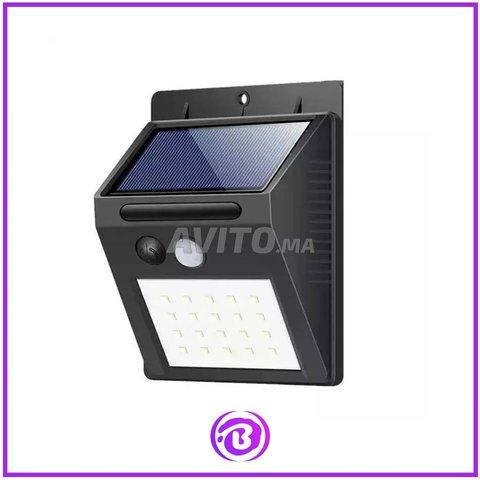 LED Lampe Solaire avec Détecteur de Mouvement - 1