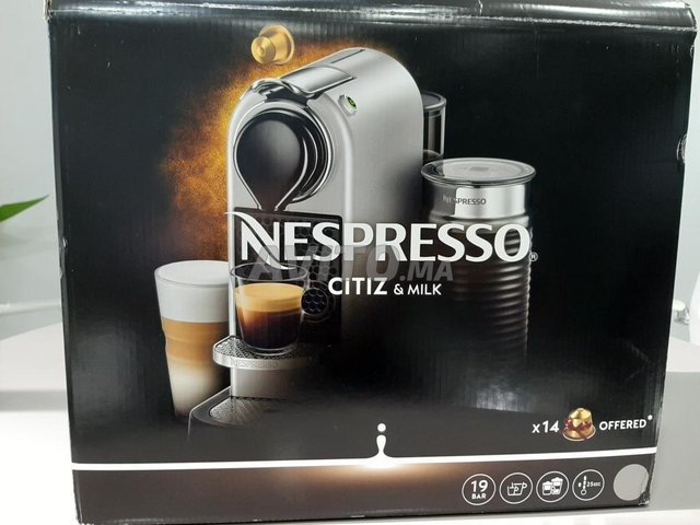 Machine Nespresso presque neuve (Citiz & Milk) - 1