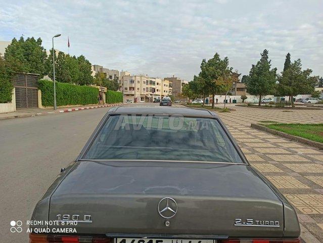 Mercedes-Benz 190 - 1
