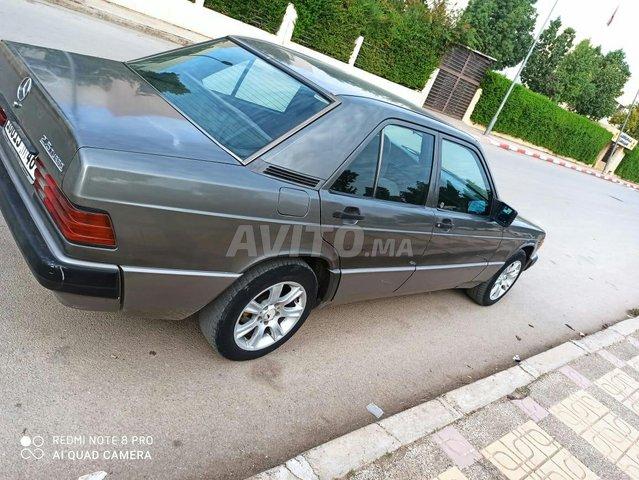 Mercedes-Benz 190 - 2