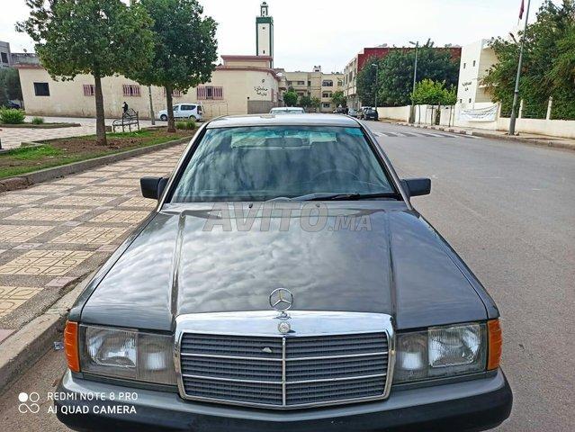 Mercedes-Benz 190 - 6