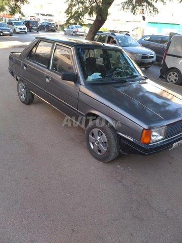 Renault R9  - 3