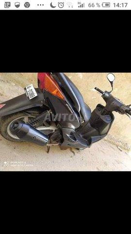 moto Synis Yamaha - 2