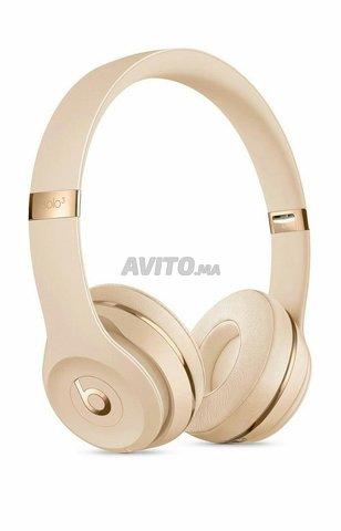 Beats Solo 3 Wireless Headphones Rose Gold  - 4