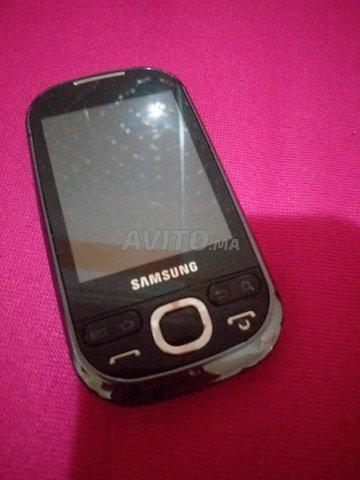 Samsung GT-I5503 - 4