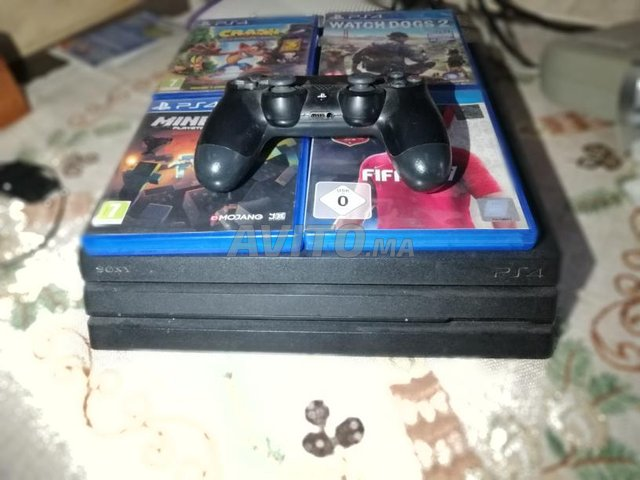 Playstation 4 pro. 1T stockage  - 1