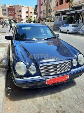 Voiture Mercedes benz Classe e 1996 au Maroc  Diesel  - 10 chevaux