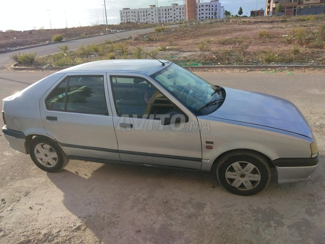 Voiture Renault R19 1995 au Maroc  Diesel  - 7 chevaux