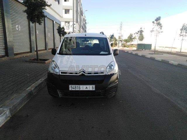 Voiture Citroen Berlingo 2017 au Maroc  Diesel  - 6 chevaux