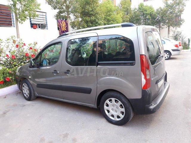 Voiture Peugeot Partner 2010 au Maroc  Diesel  - 7 chevaux
