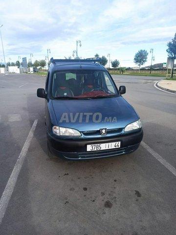 Voiture Peugeot Partner 2002 au Maroc  Diesel  - 7 chevaux