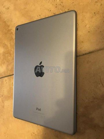 iPad air 2 64 Go Gris sidéral en excellent état - 2
