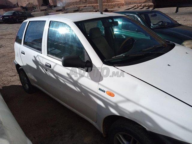 Voiture Fiat Punto 1998 au Maroc  Diesel  - 8 chevaux