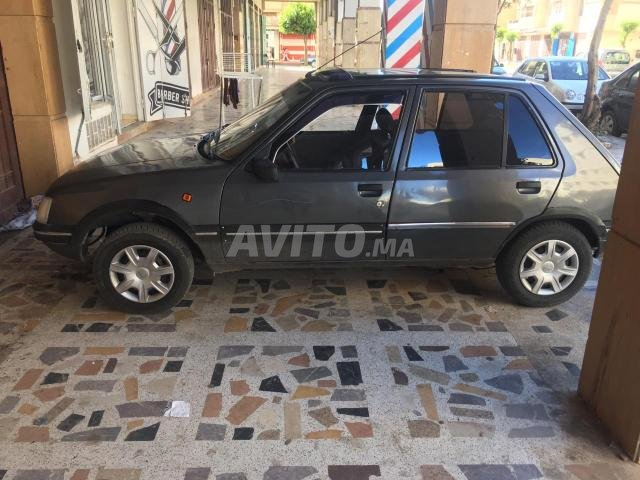Voiture Peugeot 205 1984 au Maroc  Diesel  - 7 chevaux