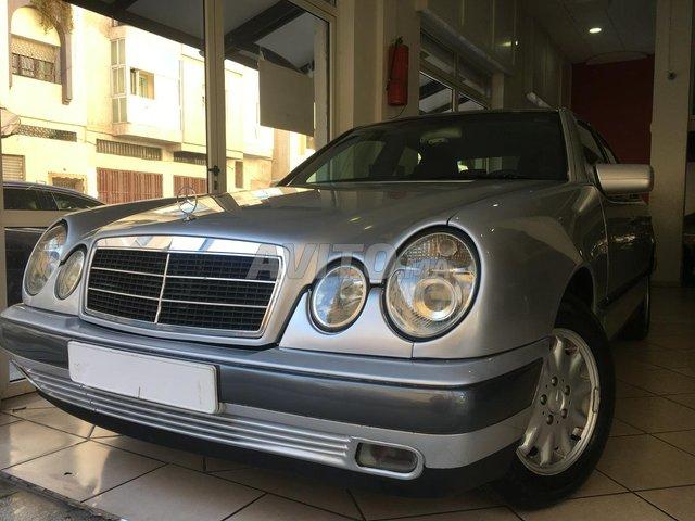 Voiture Mercedes benz Classe e 1995 au Maroc  Diesel  - 9 chevaux