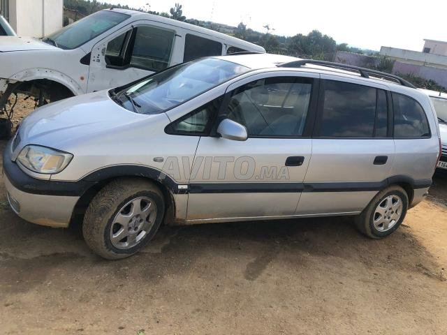 Voiture Opel Zafira 1999 au Maroc  Diesel  - 8 chevaux