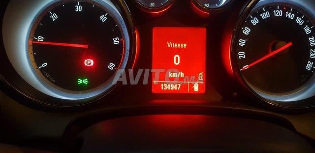 Voiture Opel Astra 2011 au Maroc  Diesel  - 7 chevaux