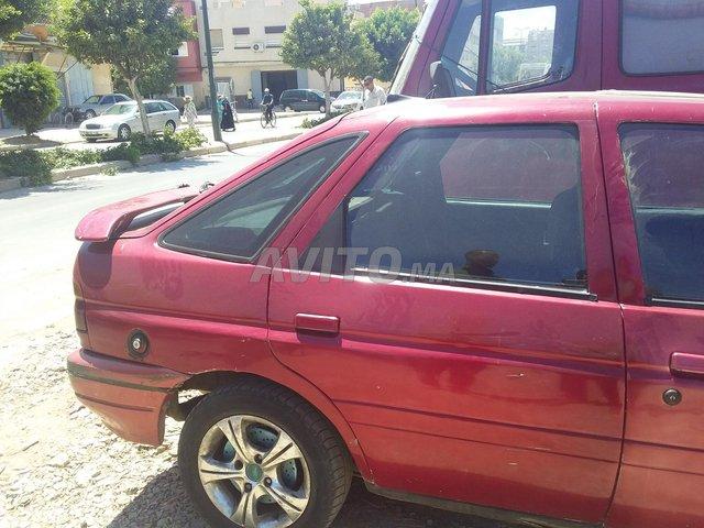 Voiture Ford Escort 1992 au Maroc  Diesel  - 6 chevaux