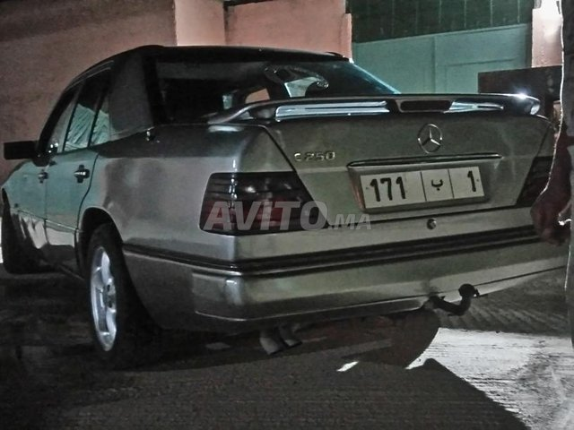 Voiture Mercedes benz R250 1990 au Maroc  Diesel  - 10 chevaux