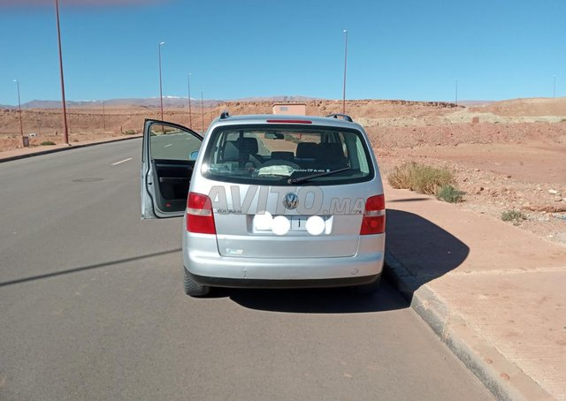 Voiture Volkswagen Touran 2003 au Maroc  Diesel  - 8 chevaux