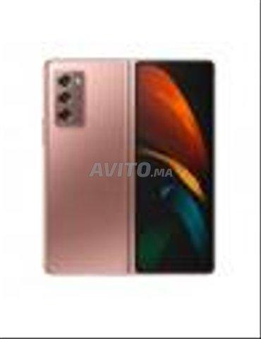 Samsung Galaxy Z Fold 2 256 Go - 2
