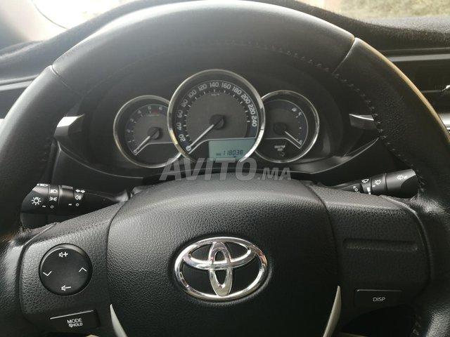 Toyota Corolla - 2