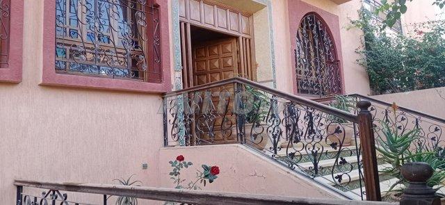 Villa de 263 m² à Targa - 1