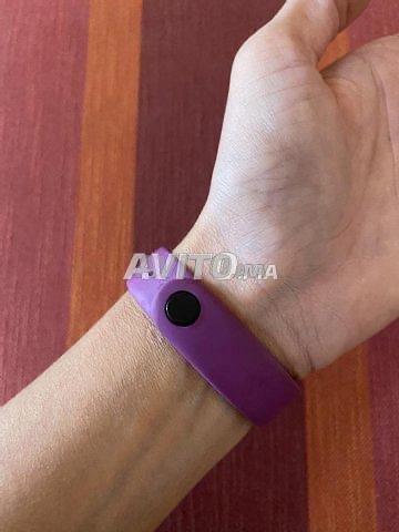 Montre connectée sport FITBIT et bracelet - 2
