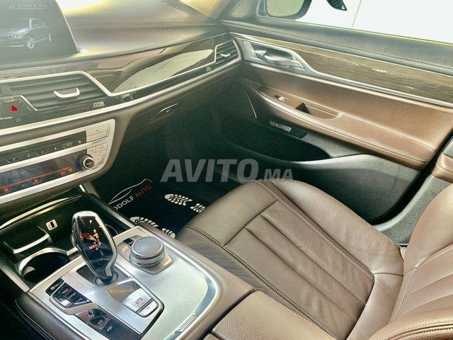 BMW SÉRIE 7 - 4