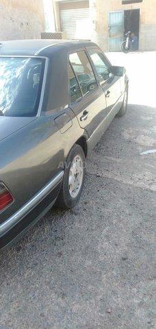 Voiture Mercedes benz R250 1990 au Maroc  Diesel  - 8 chevaux
