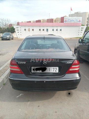 Voiture Mercedes benz 220 2006 au Maroc  Diesel  - 10 chevaux
