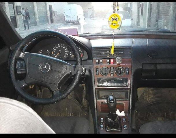 Voiture Mercedes benz 220 1996 au Maroc  Diesel