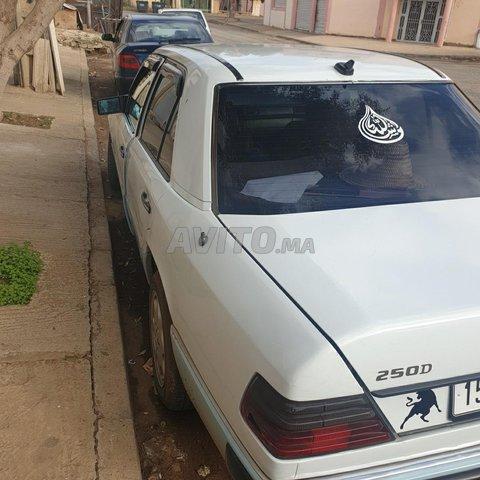 Voiture Mercedes benz R250 1988 au Maroc  Diesel  - 10 chevaux