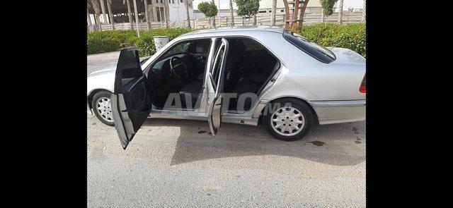 Voiture Mercedes benz 220 1998 au Maroc  Diesel  - 8 chevaux