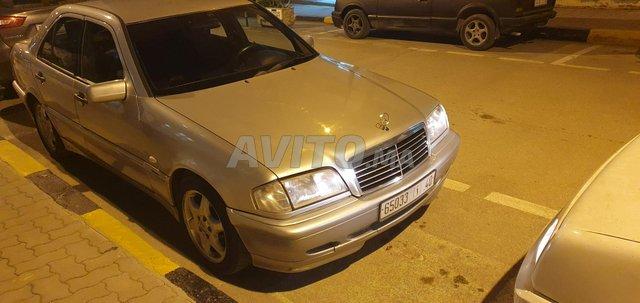 Voiture Mercedes benz R250 2008 au Maroc  Diesel  - 9 chevaux