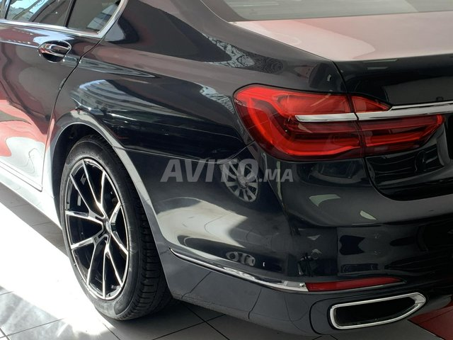 BMW SÉRIE 7 - 8